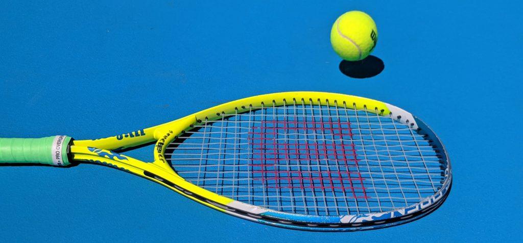 テニスラケット、ボール